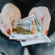 badante anzianità pensione soldi Monza